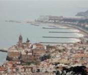 Un tomb pels turons de Sitges, Dijous 6 de Desembre